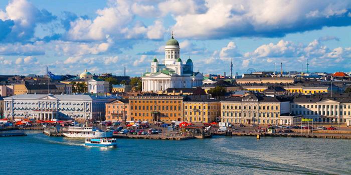 Helsinki_skyline_sommer_mit_Dom