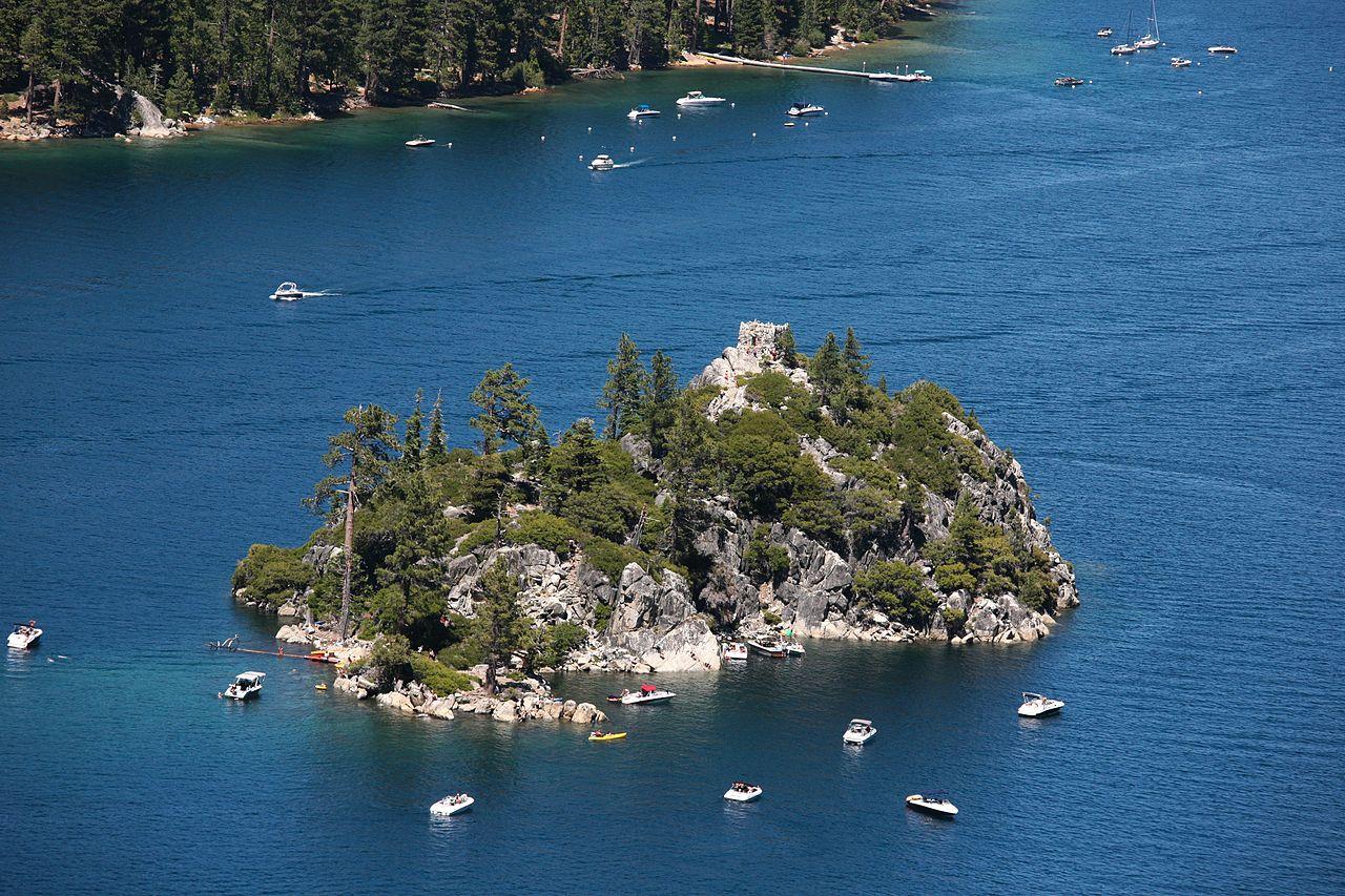 Fannette_Island_Emerald-Bay