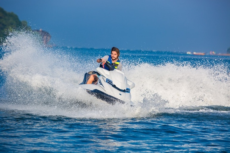 water-sport-1125328_960_720