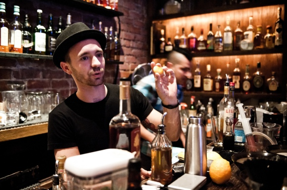 The 5 Best Speakeasies in Chicago and How to Enter Them