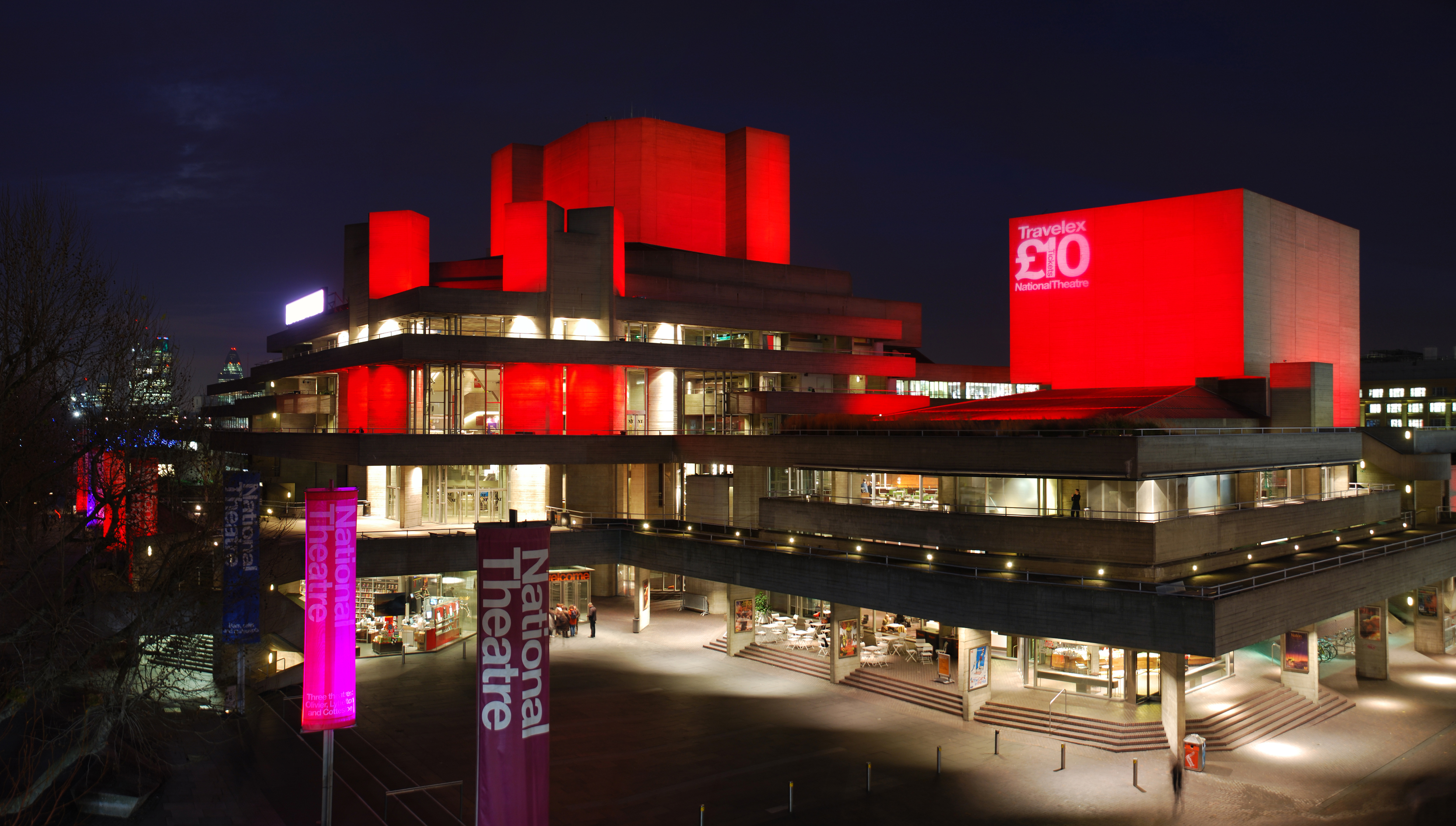 Royal_National_Theatre,_London